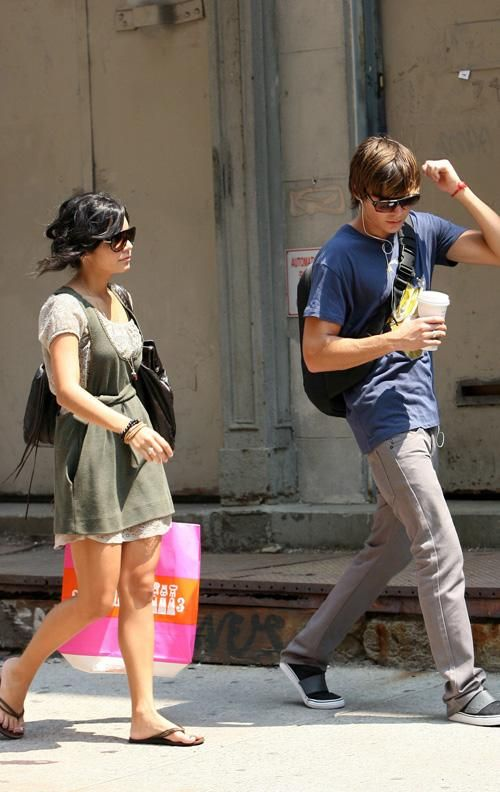 Vanessa Hudgens with Zac Efron - i miss them together