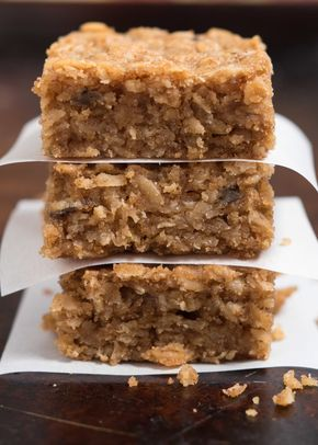 Peanut Butter Oatmeal Bars- these super simple, one-bowl ...