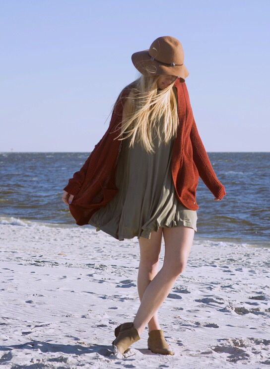 Perfect outfit for a chilly beach day #womensfashion #beach #fashion #bohochic #aeostyle