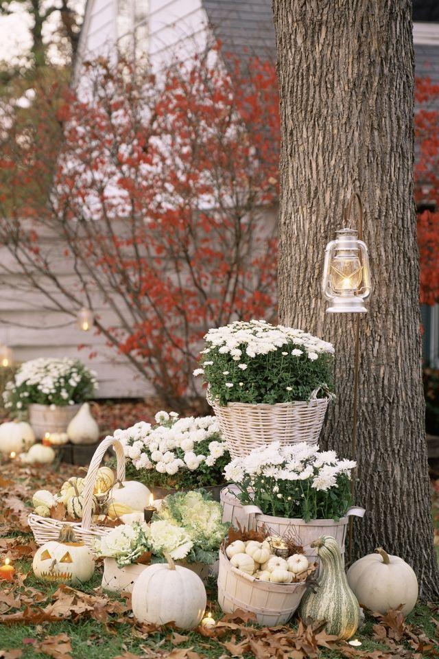 14 Elegant Halloween Decorations - Shop Classy Halloween Decor Ideas - elegant halloween decorations