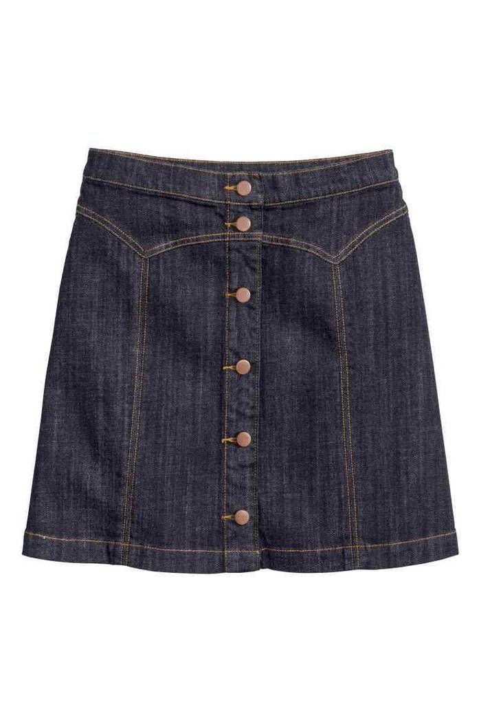 f5511cdcbac50 Jupe en jean : 25 modèles de jupes en jean pour être cool tout l'été ...