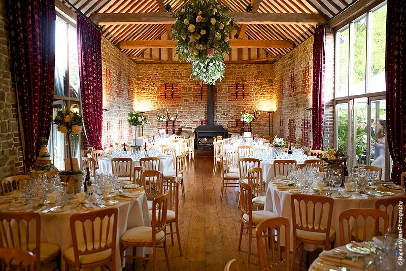 Barn Wedding Venues Bartholomew Venue In West Sus