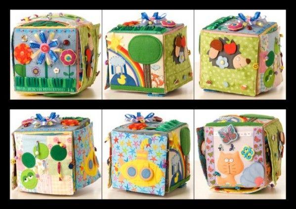 les jolies id es des autres 15 cube d 39 veil diy livre tissu pinterest cubes eveil et. Black Bedroom Furniture Sets. Home Design Ideas