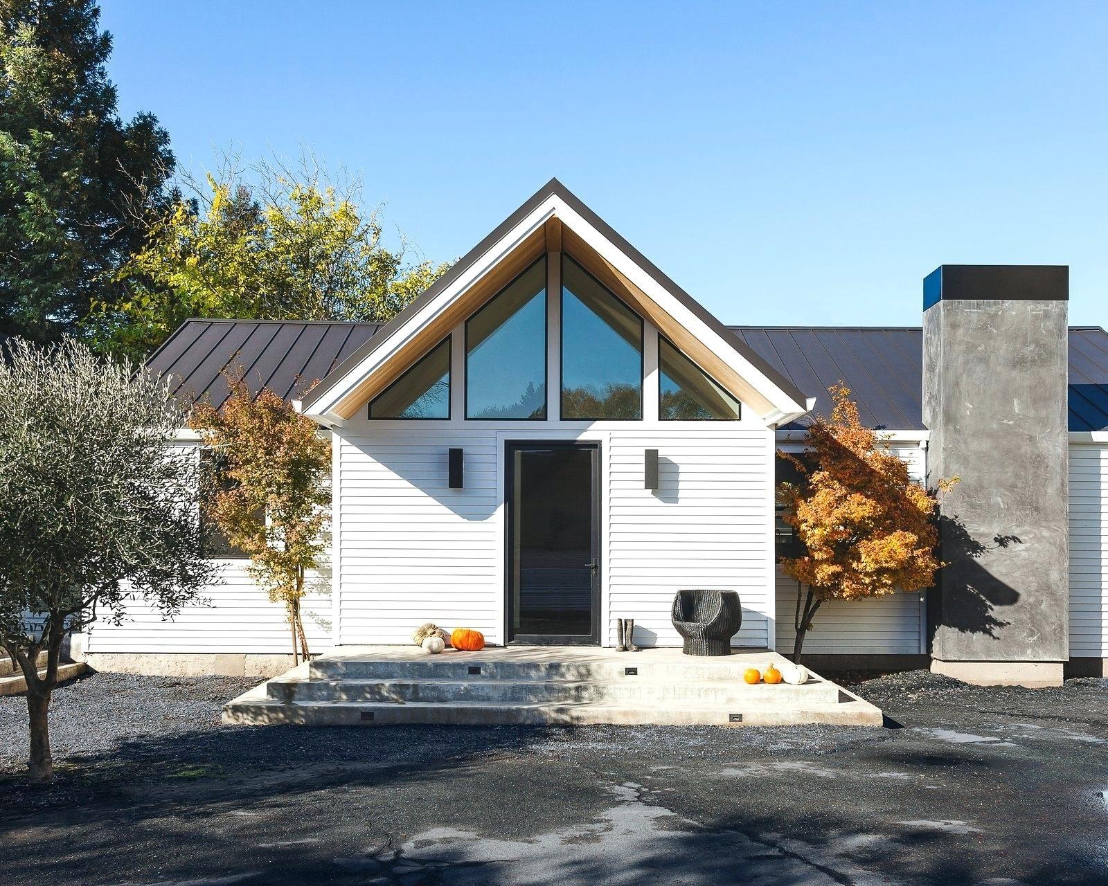 Concrete Siding Hardiplank Cost Vs Brick Board House Fiber Cement Shingles Farmhouse Exterior Modern Farmhouse Exterior