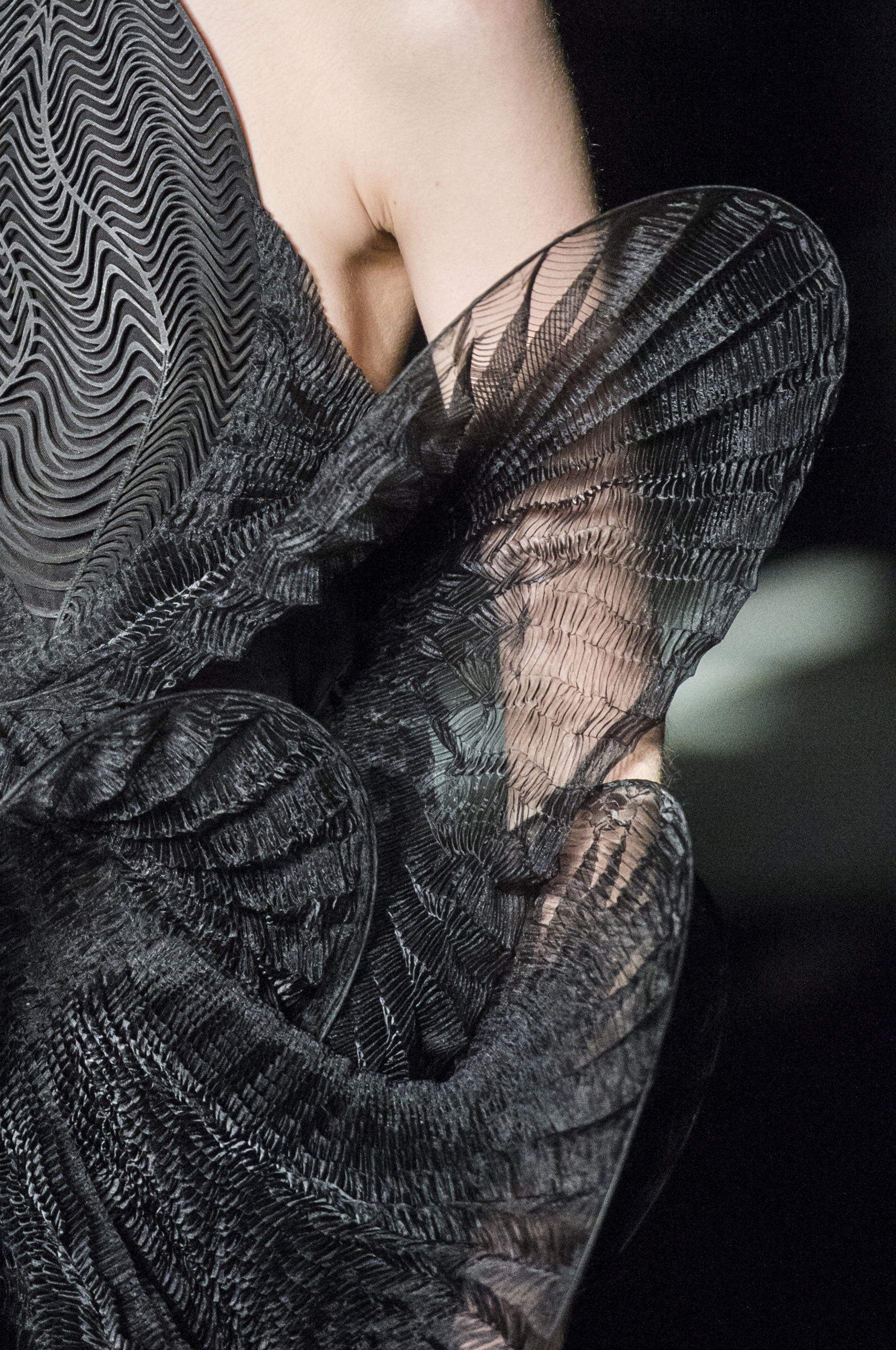Iris Van Herpen Spring 2017 Couture