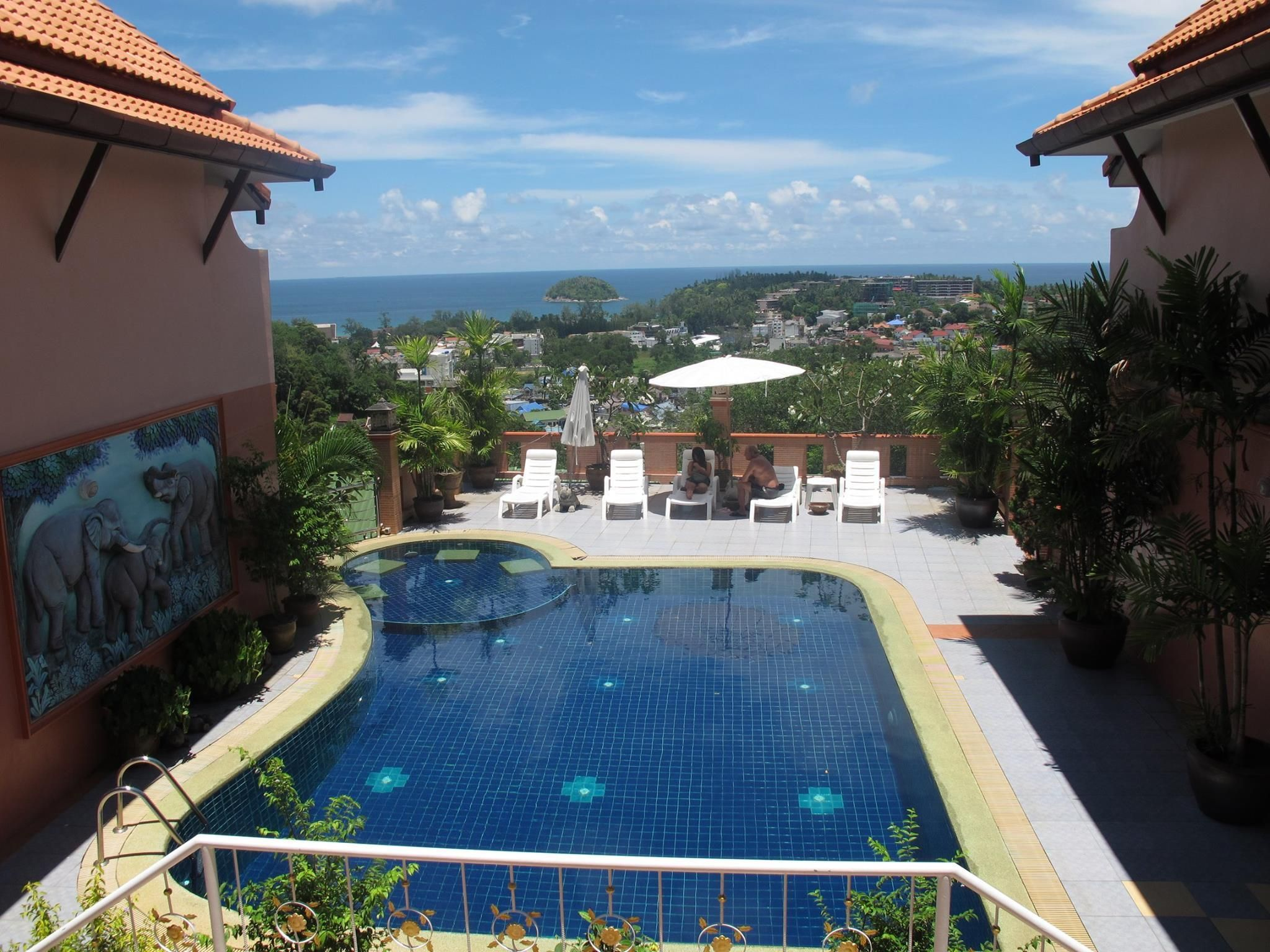 Features resorts in Thailand