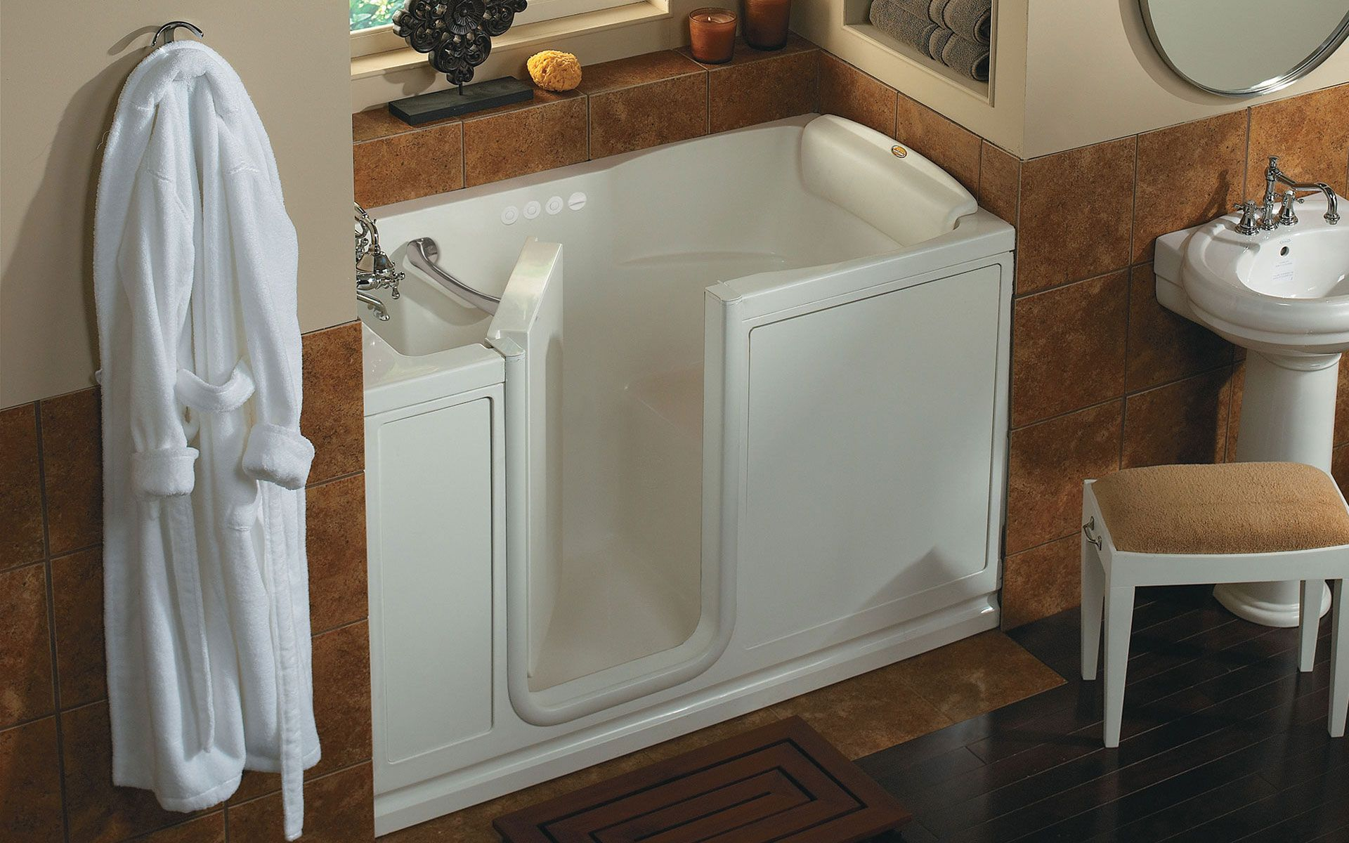 Jacuzzi Finestra Salon Spa Walk In Bathtub for Alcove Installa White walk  in tub Air   Whirlpool AlcoveWalk In Jacuzzi Tub w Shower http www disabledbathrooms org  . Whirlpool Insert For Bathtub. Home Design Ideas