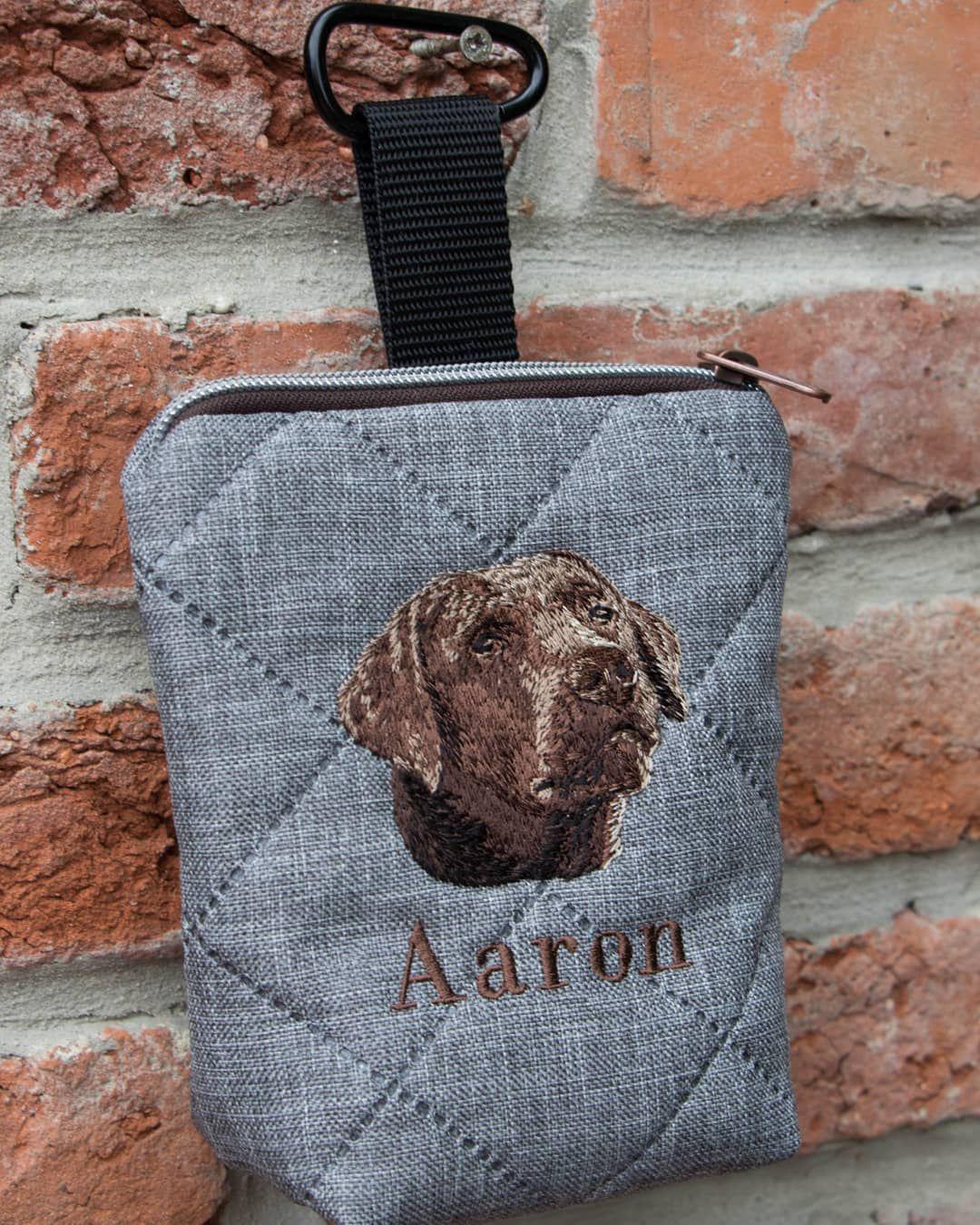 Werbung Futtertasche Grau Bestickt Mit Labrador Und Wunschname Futtertasche Leckerli Leckerlibeutel Labrador Labb Hundetraining Hundchen Training Hunde