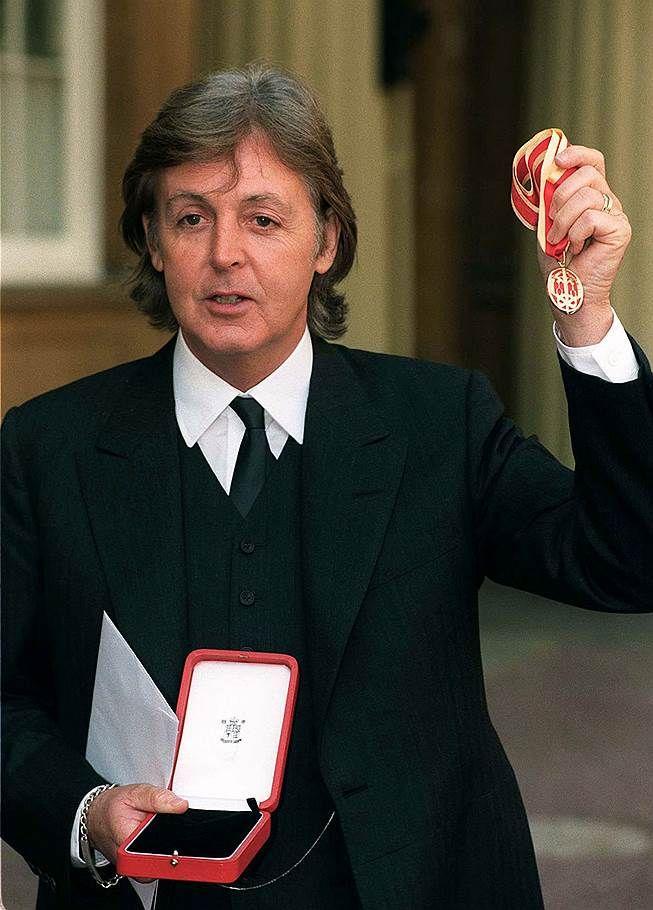 The Beatles Polska: Beatles Paul McCartney otrzymał tytuł szlachecki