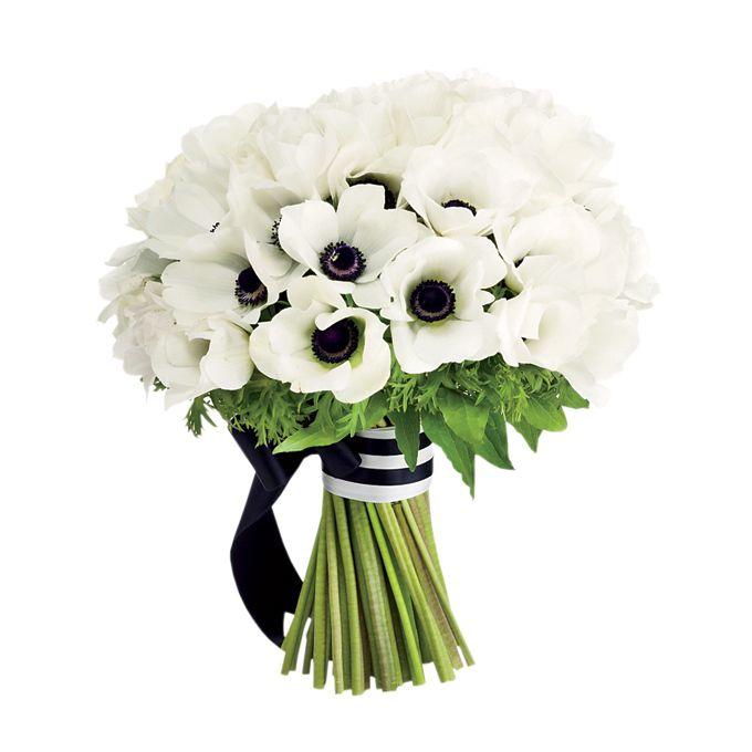 Black and white bouquet idea {via weddingseve.com} - http://themerrybride.org/2015/08/23/black-and-white-wedding/