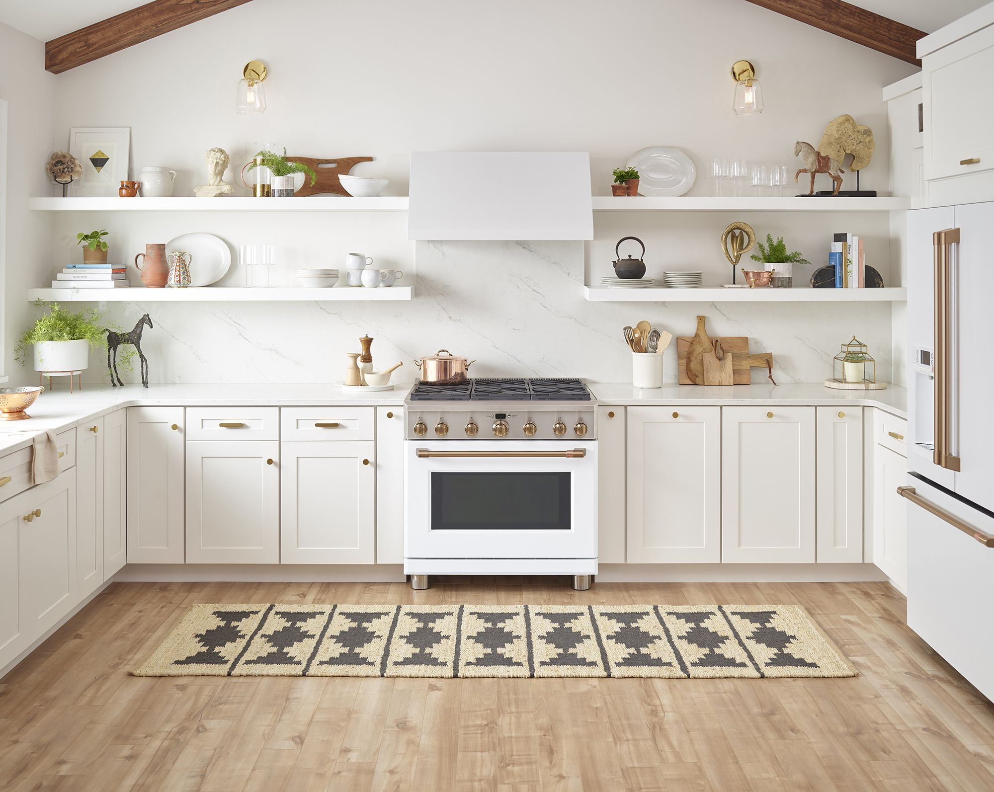 Stylish Cooking That Performs White Appliances Modern Kitchen Appliances White Kitchen Appliances