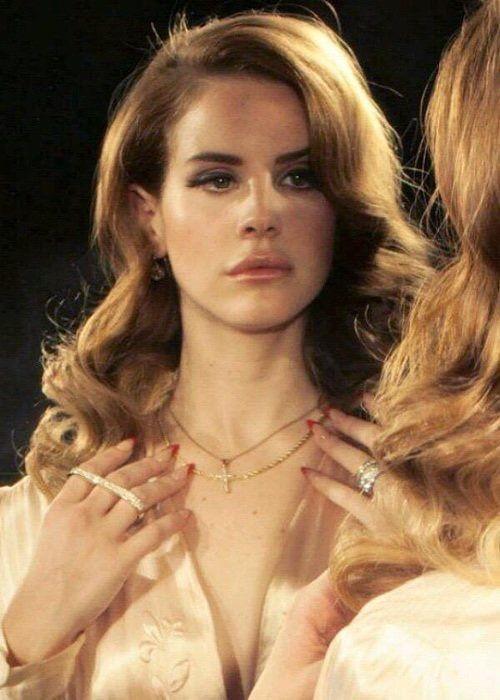 Pin By Teresaa On Idolzzz Lana Del Rey Lana Del Ray Honeymoon Usa