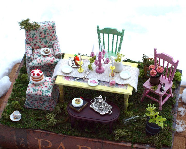 Alice In Wonderland Tea Party Miniscape This Would Be Cute For A Fairy Garden Fairy Garden