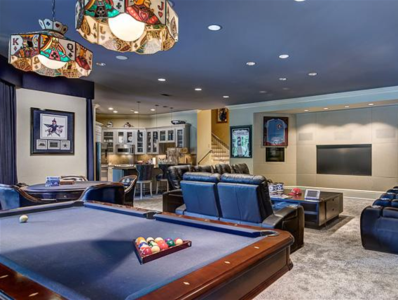 ultimate man cave bar. 15 Ultimate Man Caves You Can Buy Right Now  man cave