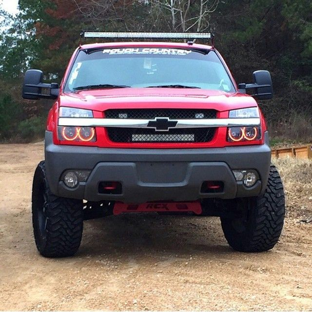 Gm Culture Check Out This Badass Truck And The Owner Chevy Avalanche Avalanche Truck Chevy
