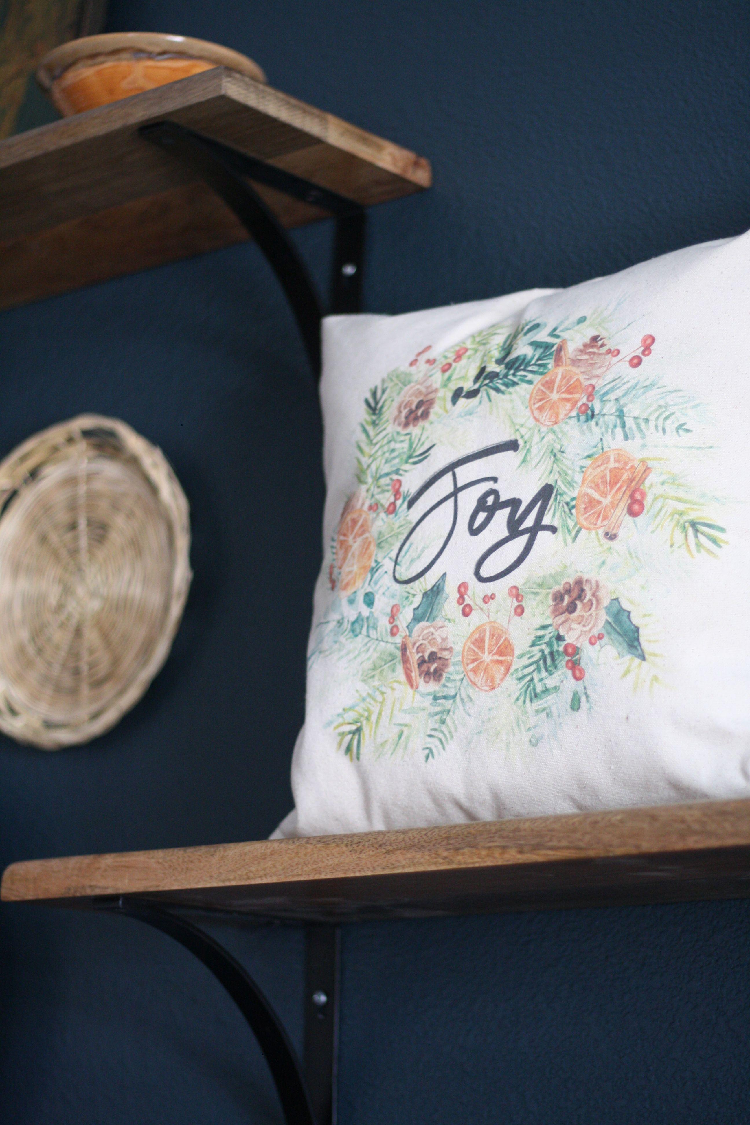 modern farmhouse christmas pillows