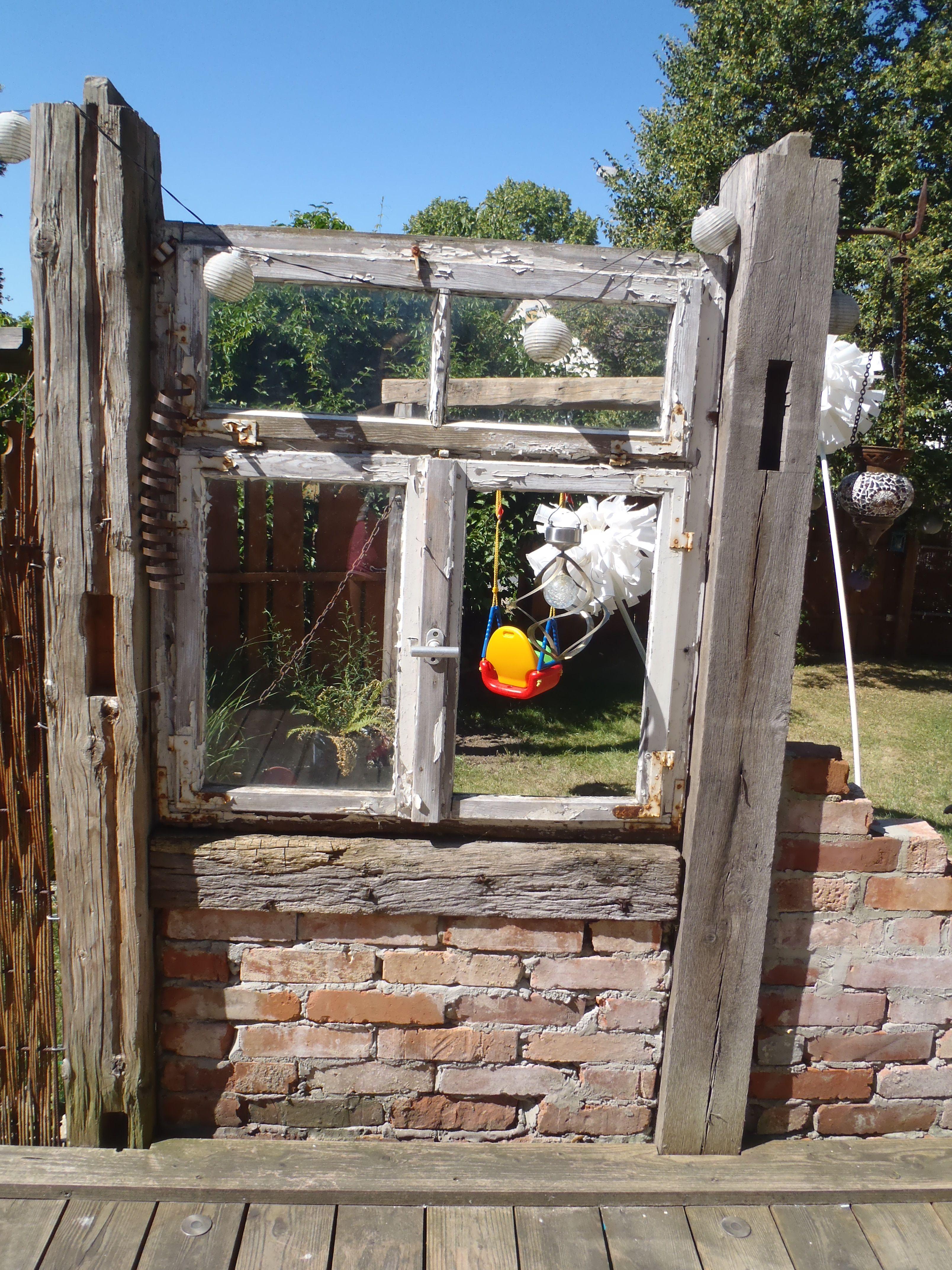 altes Fenster zwischen alten Balken Mein Garten Garden trees