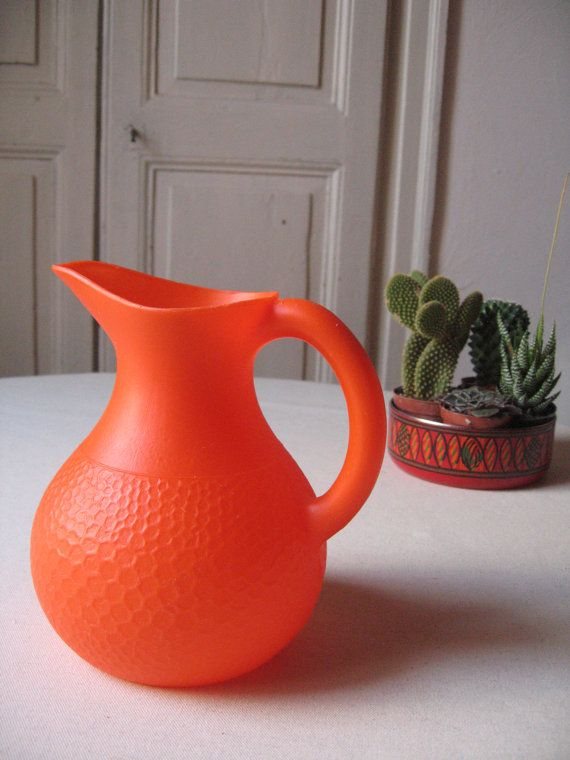 pichet en plastique orange ann es 60 70 carafe r tro pop broc fran ais vintage pichet. Black Bedroom Furniture Sets. Home Design Ideas
