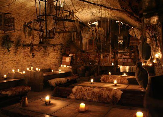 Taberna medieval del siglo XIV en Praga.  #Esmadeco.