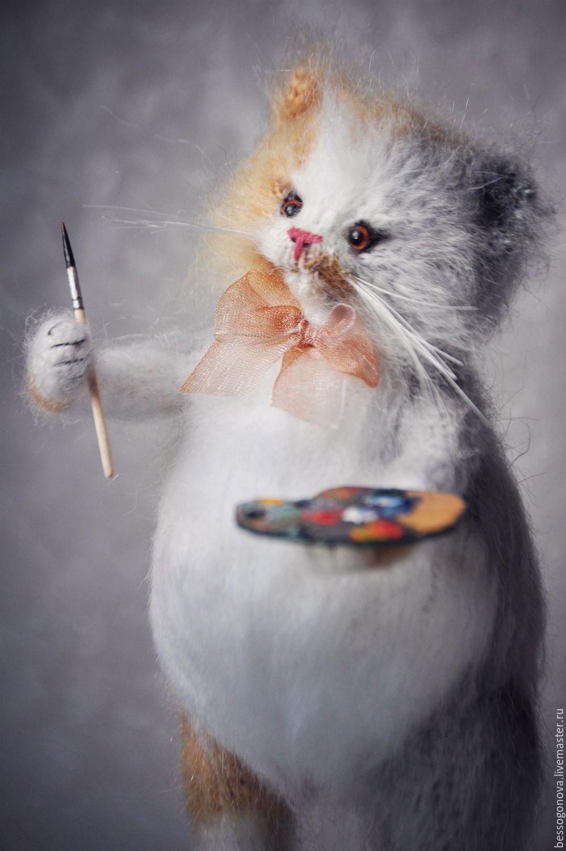 Вязаная игрушка котенок – работа Ирины