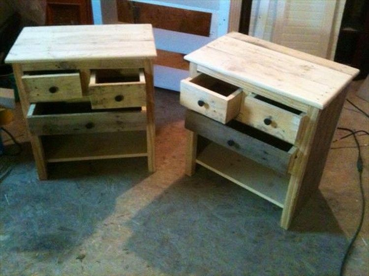 Pallet end tables with drawers pallets nightstands and drawers pallet nightstands with drawers solutioingenieria Image collections