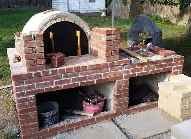 Wood Fired Brick Pizza Oven And Brick Bbq Grill Brick Pizza Oven Pizza Oven Brick Bbq