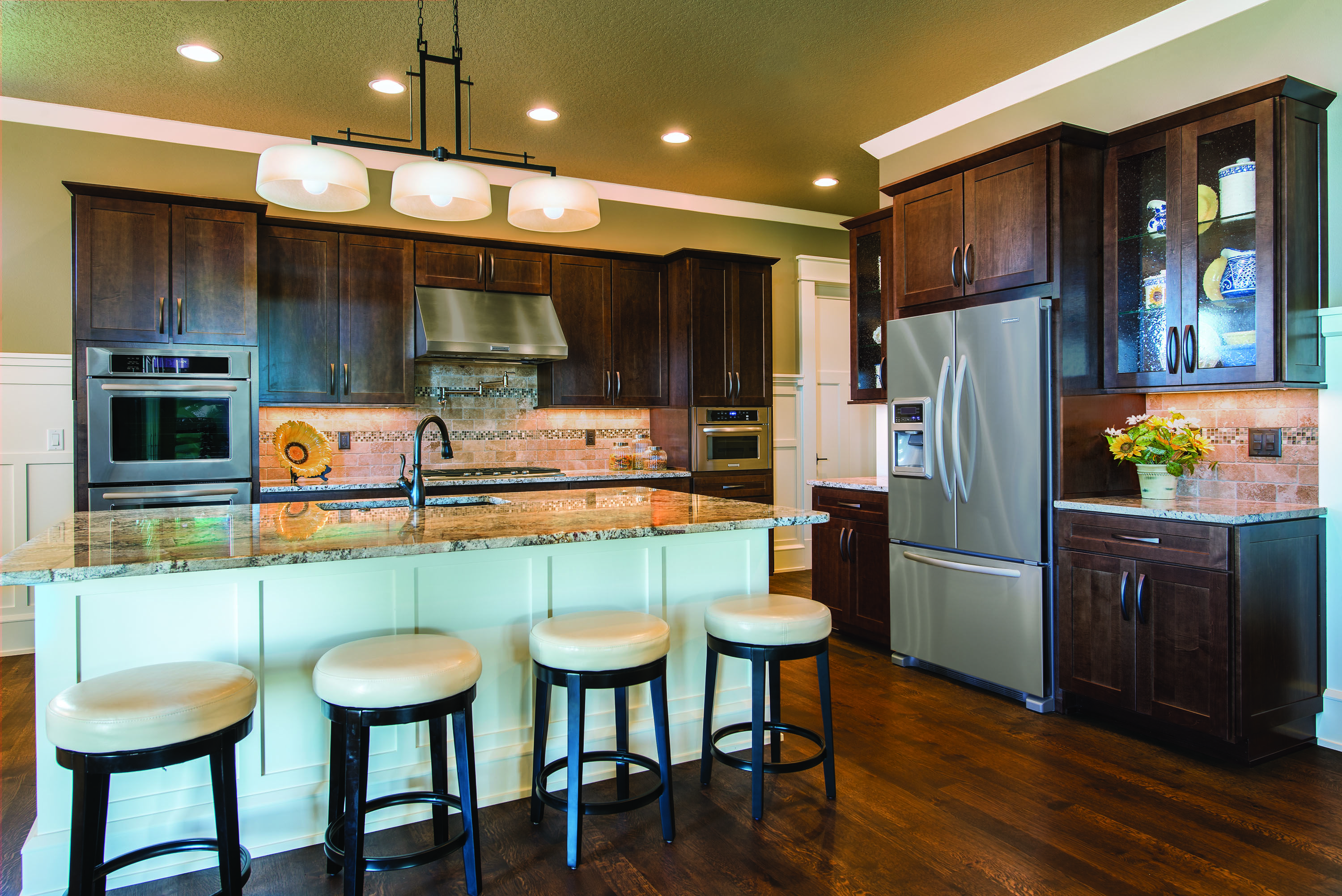 These Rich Trevino Slab Cabinets From Echelon Cabinets And White Island Combo Kitchen Cabinets Showroom Kitchen Cabinets Models Semi Custom Kitchen Cabinets