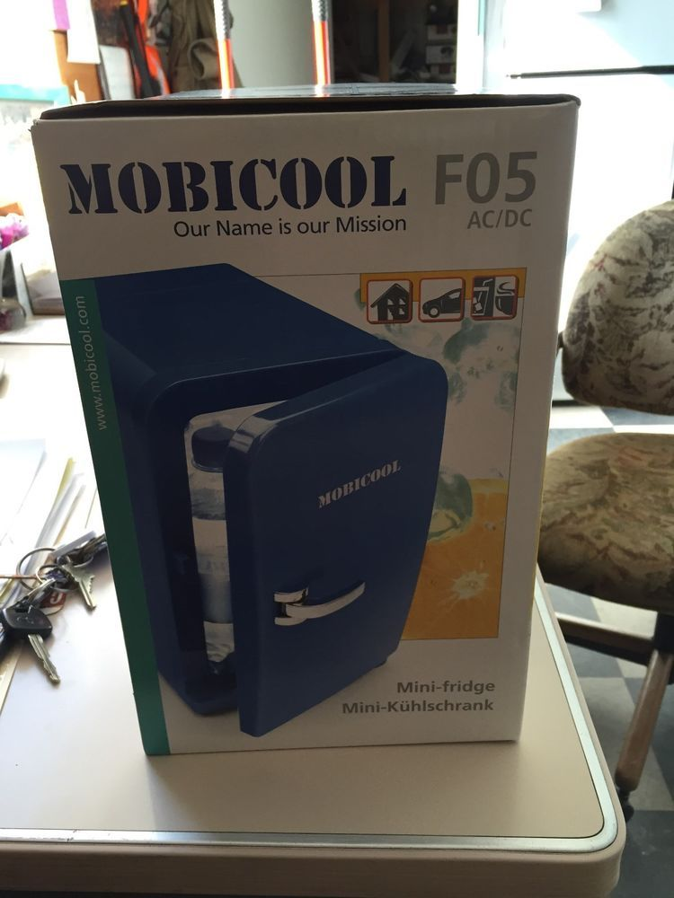 Details About Mobicool Mini Fridge Home Or Car Cooling Or Heating Function Mini Fridge Mini Ebay
