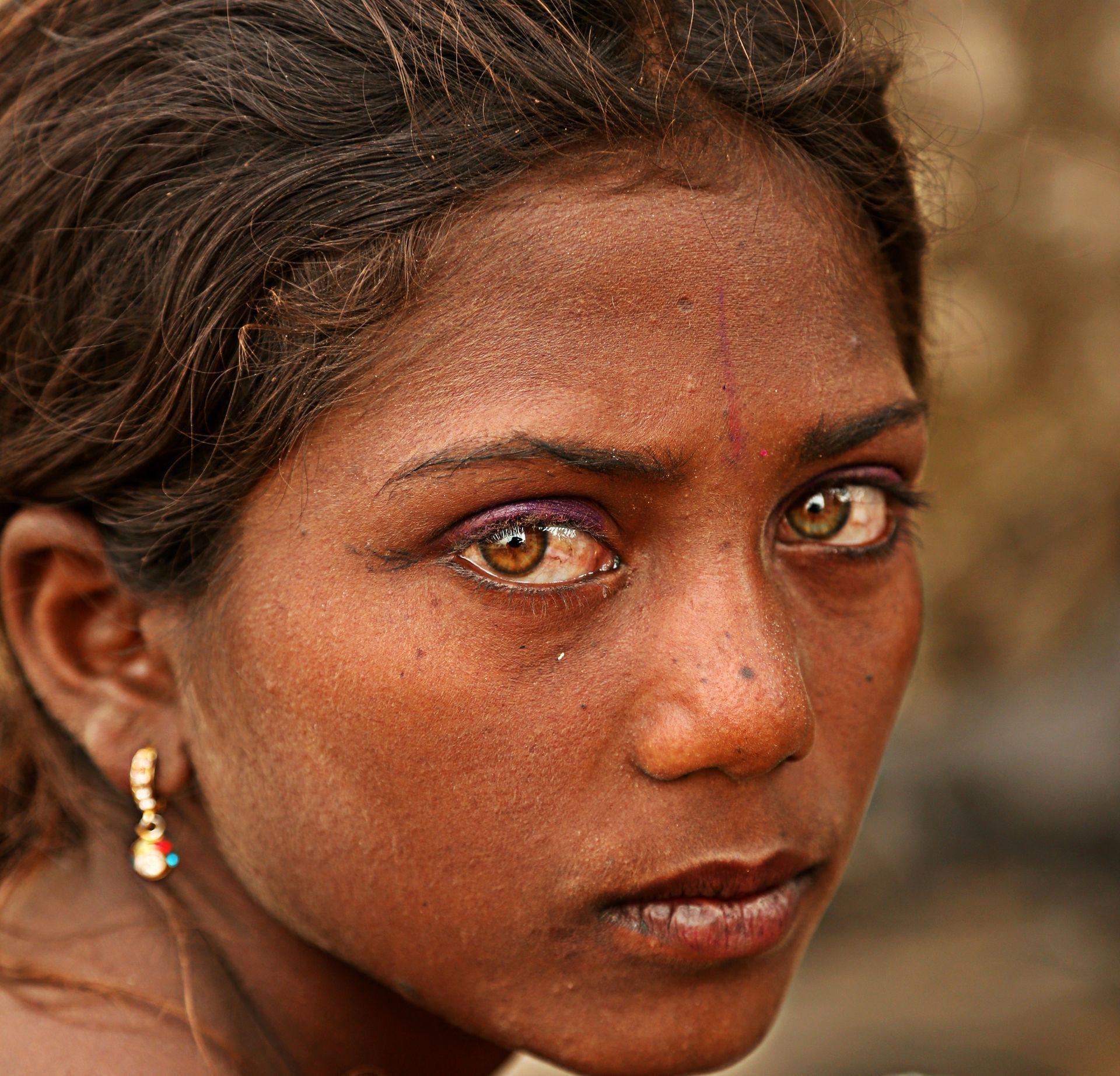 meet a gypsy girl
