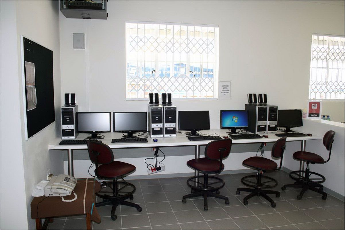 Home Office Computer Room Design Computer Table Designs For Small Room Home Accessories Gallery Computer Room Home Office Furniture Homeschool Room Design