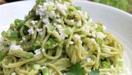 Pastas con salsa de aguacate // Espaguetis o tallarines con aguacate