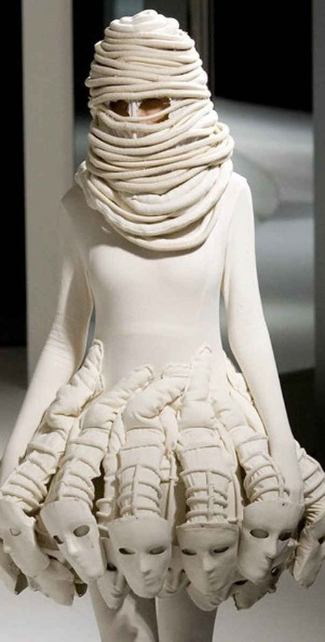 26 Ludicrous Catwalk Fashions #wearableart