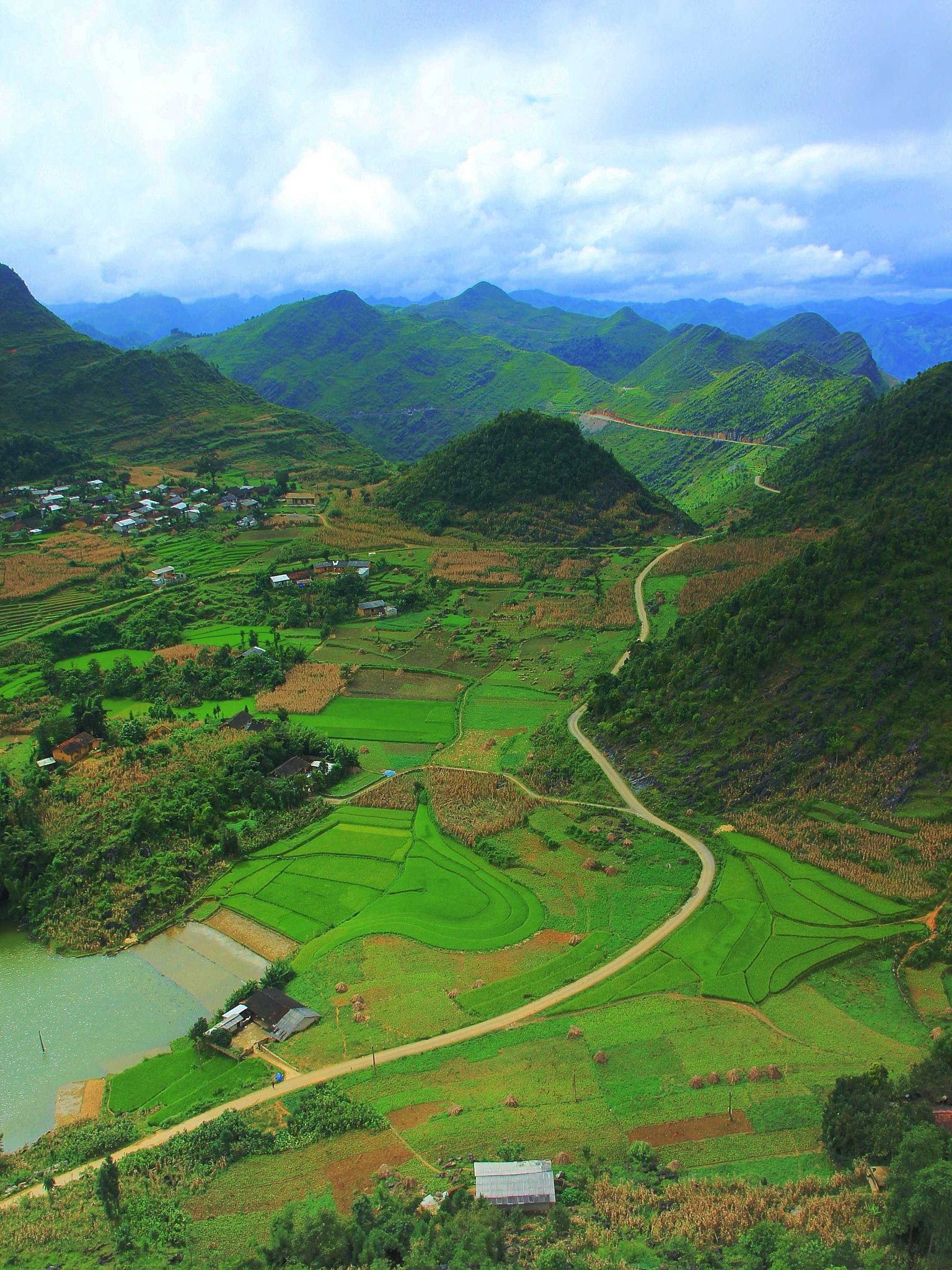 A perspective from Lung Cu by Khoi Tran Duc on 500px
