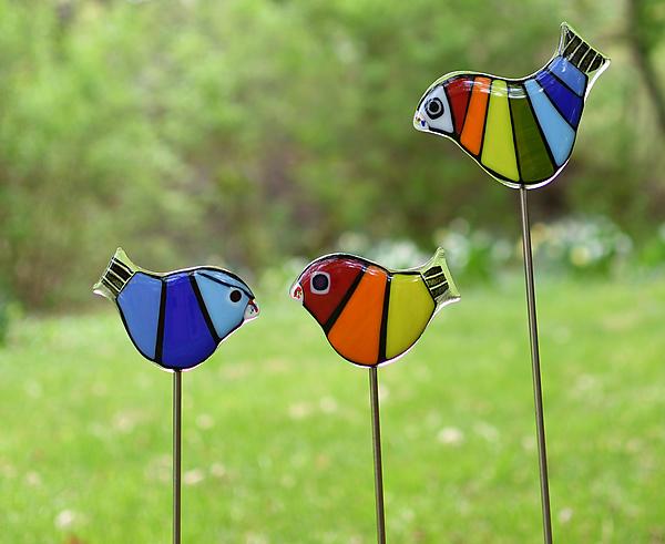 Rainbow Garden Birds by Terry Gomien (Art Glass Sculpture)   Artful Home#art #artful #birds #garden #glass #gomien #home #rainbow #sculpture #terry