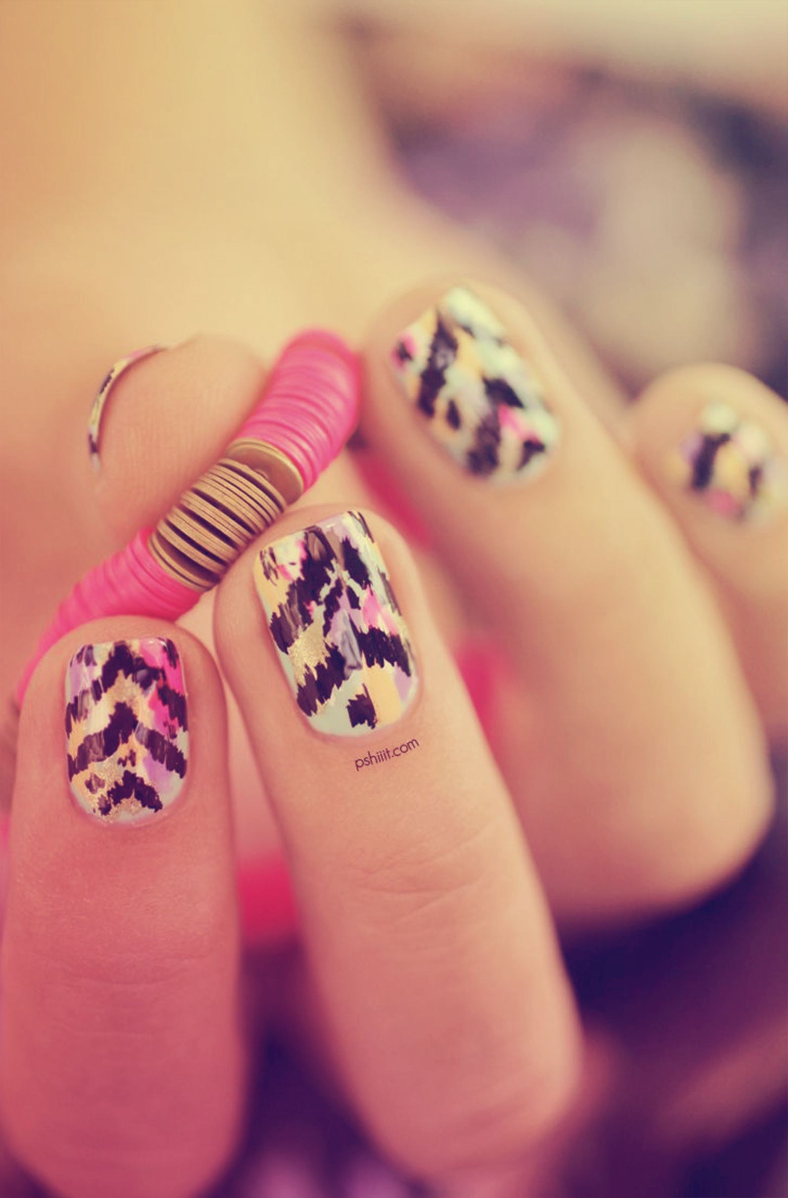 Abstrato e colorido! #nails #colors #cute