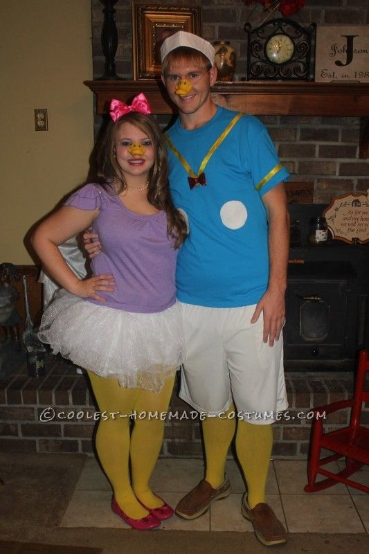 1f1ee4953af Easy Donald and Daisy Duck Couples Costume