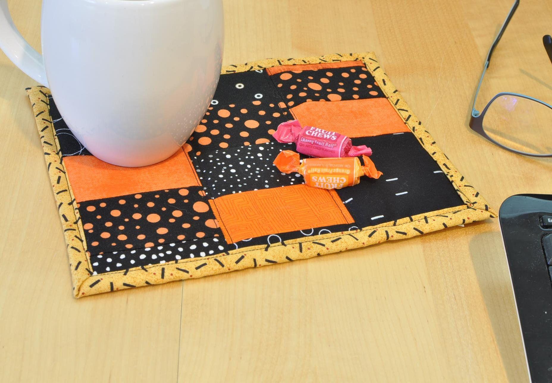 Mug Rug Reusable Snack Mat Mini Quilt Home Decor Desk Etsy In 2020 Mug Rug Mini Quilt Handmade