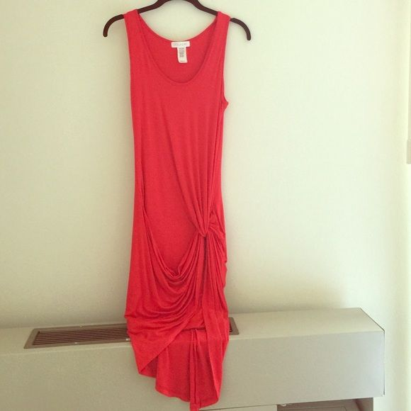 Knotted sexy red dress! Perfect for the summer! Soft and comfortable ! Shorter in the front and longer in the back. Bundle your favs for an extra 15% off! Worn once for 1 hour. Dresses