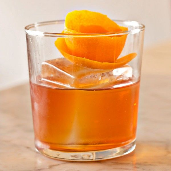 The Best Low Calorie Cocktails For Every Spirit Popular Bar Drinks Low Calorie Cocktails Classic Cocktails