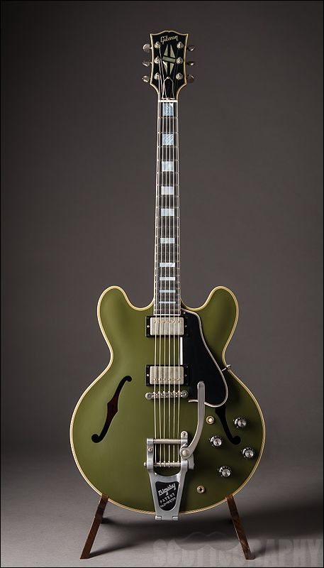 Gibson Es 355 Olive Drab Green Sound In 2018 Pinterest Guitar