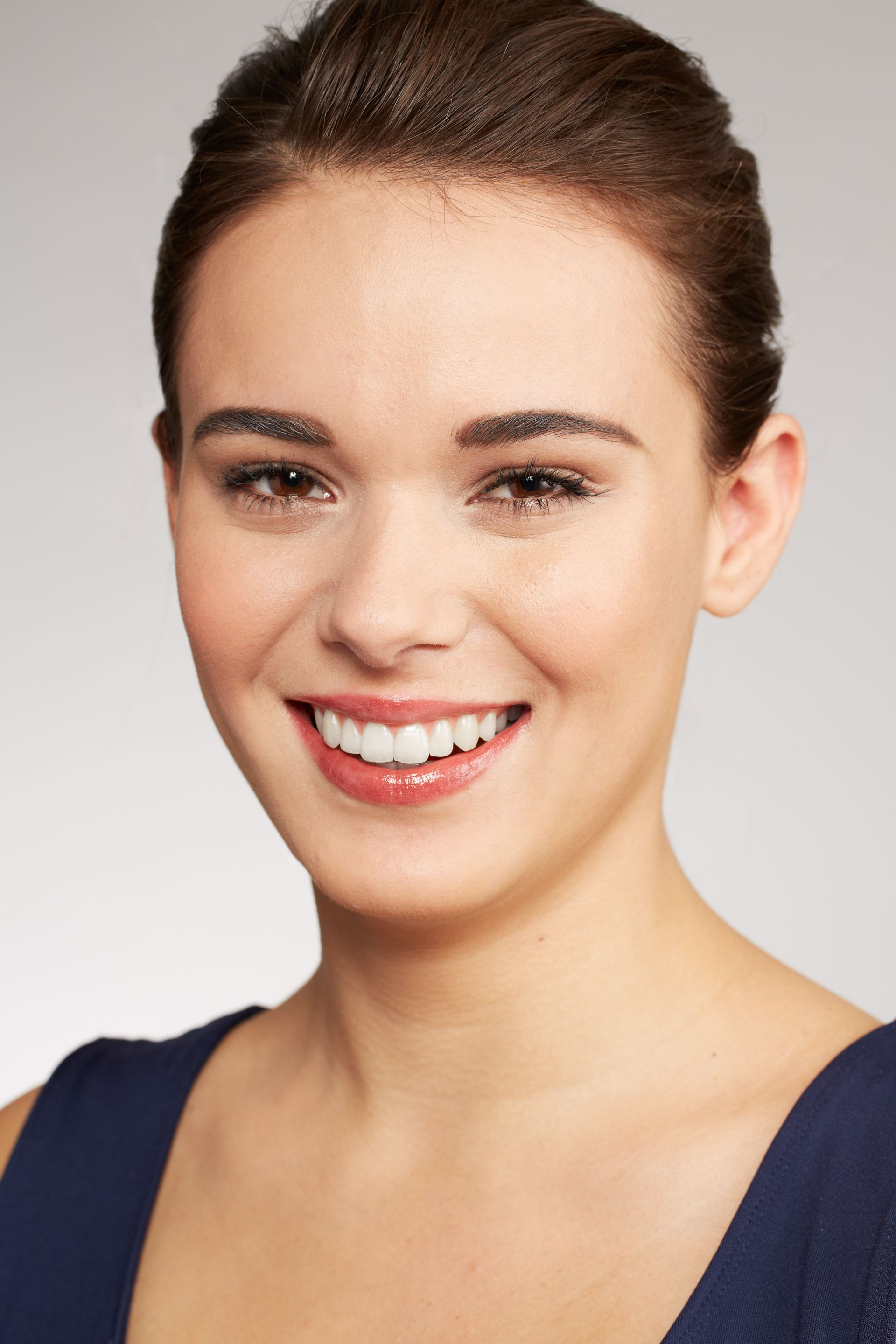 Your StepByStep Guide to Covering Acne With Makeup (With