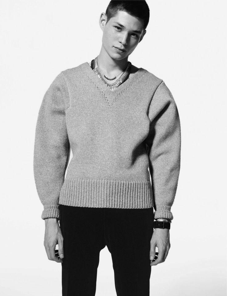 #youcancallmehitch #barneybarrett #minimalism #fashion #style #streetwear #knitwear #streetstyle #malemodel #barney_barrett