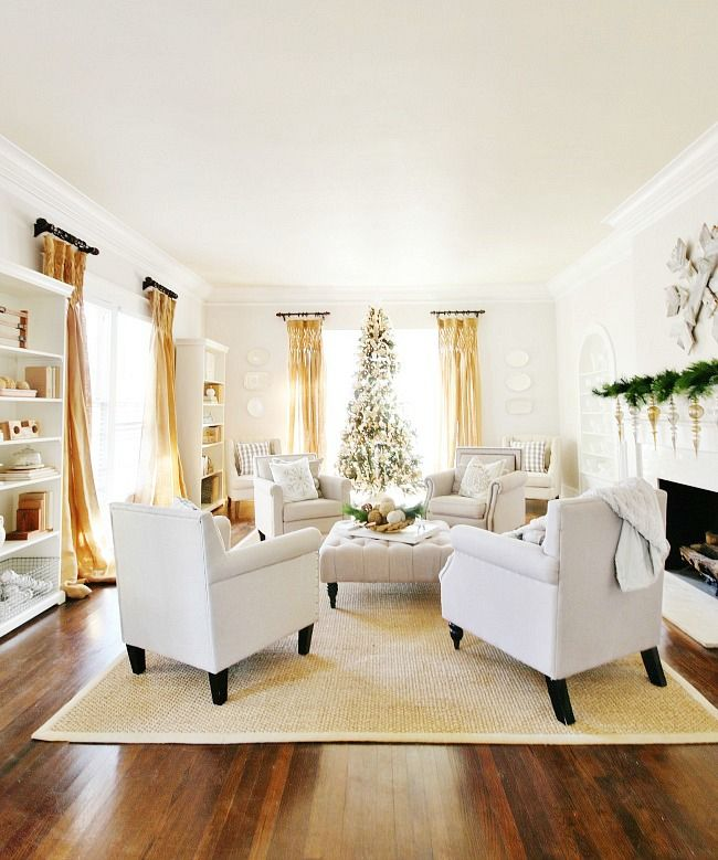 Christmas in the New (Old) Living Room - Thistlewood Farm