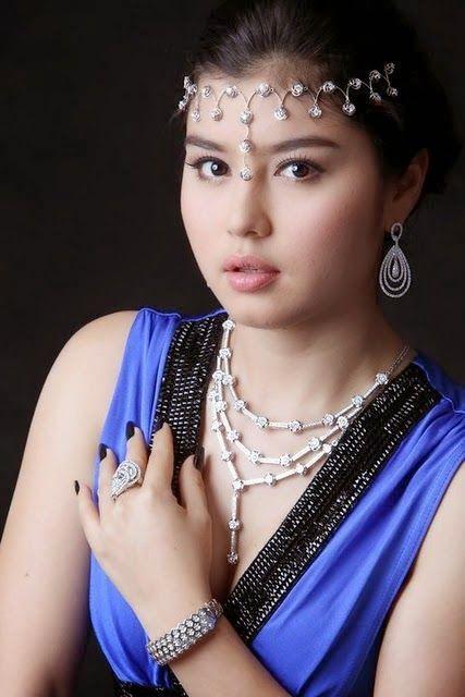 Special Album Photos By Myanmar Model Girl Melody