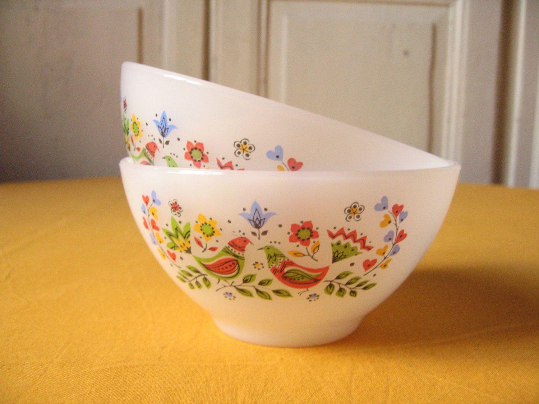 2 bowls Arcopal french milk coffee / milk glass, Opaline / birds ...