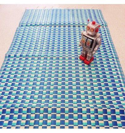 tapis plastique tr ss bleu turquoise bleu et blanc fdp. Black Bedroom Furniture Sets. Home Design Ideas