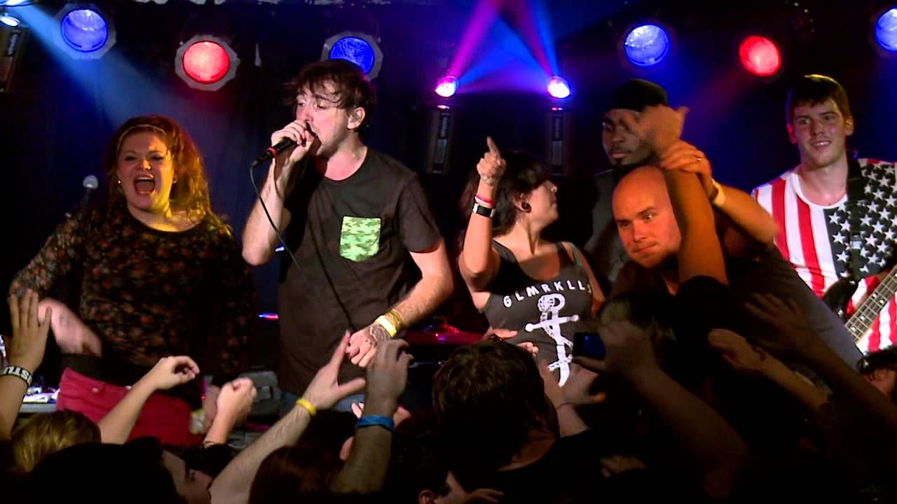 All Time Low - Dear Maria, Count Me In (Live From The World Triptacular)