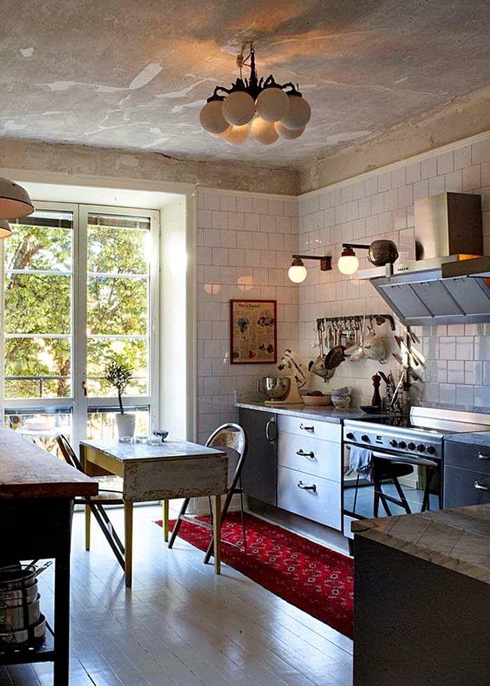 Nostalgische Fundstücke und moderne Elemente ergeben ein ganz - küche landhaus modern