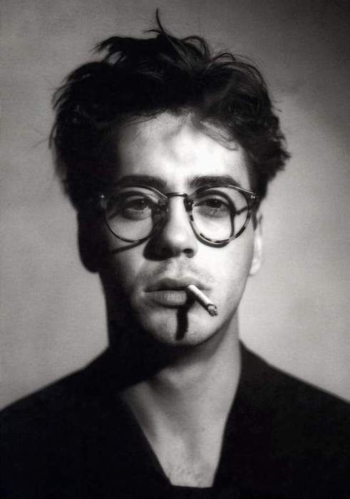 Robert Downy Jr. my first celebrity crush. Heart and Souls is one of my favorite movies from childhood.