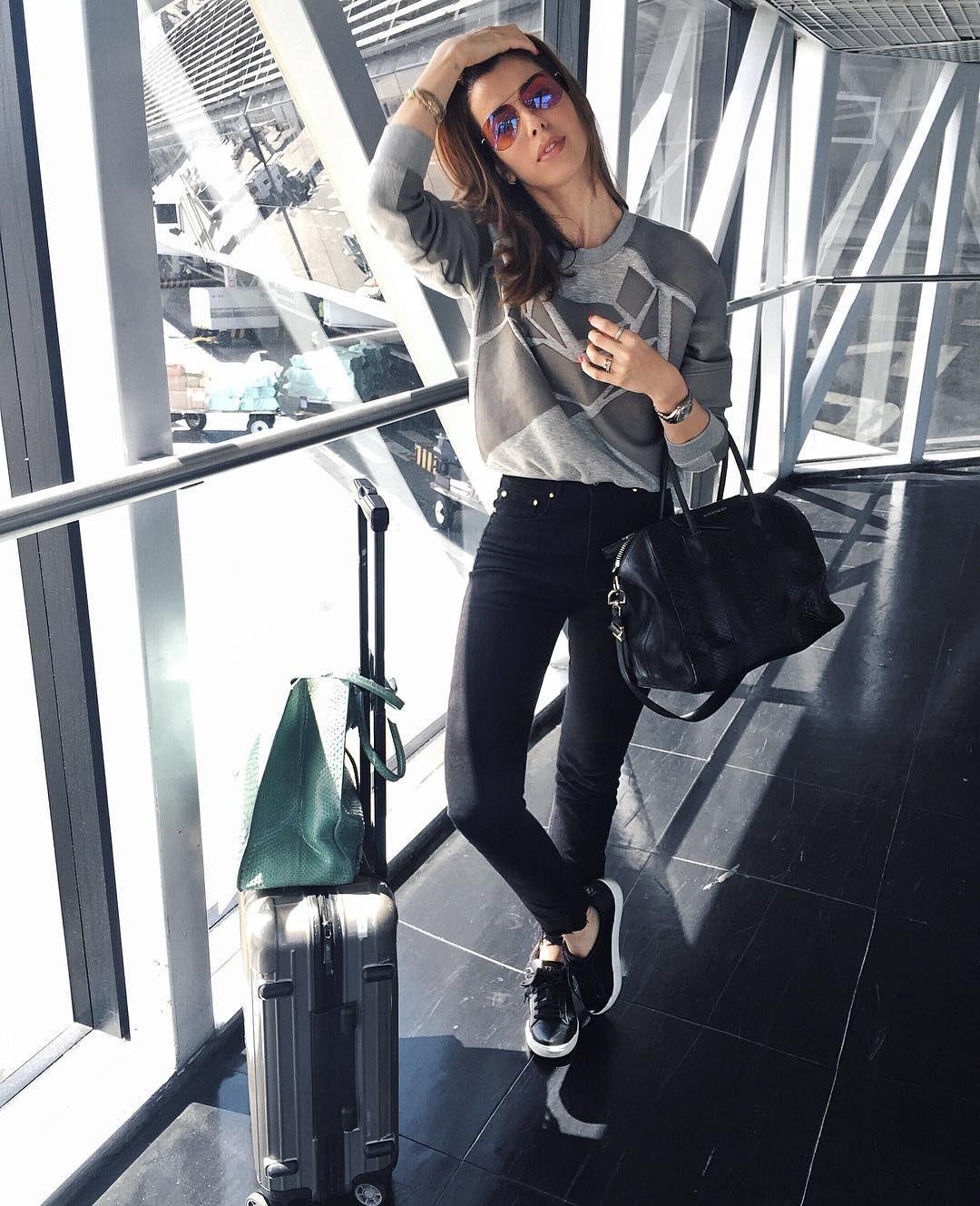 26a65784db Founder   editor of garotasestupidas.com YouTube.com garotasestupidas… Outfit  Para Viajar